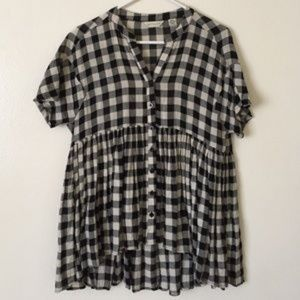 Anthropologie 11-1 Tylho checked swing top size xs